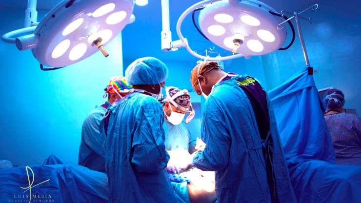 La seguridad del paciente durante la cirugía estética (Spanish)